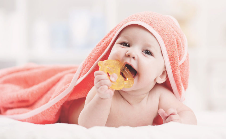 Купание младенца: виды ванночек и иные приспособления