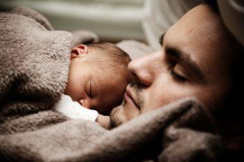 Колики у новорожденных: пробиотики от колик