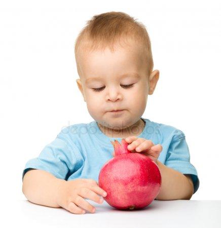 Гранат для детей: польза и как давать